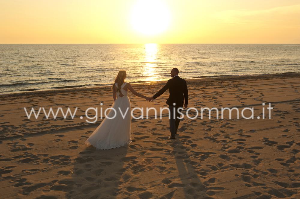 Matrimonio Sulla Spiaggia Bacoli : Matrimonio spiaggia bacoli cala moresca anima